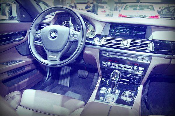 BMW 730 салон