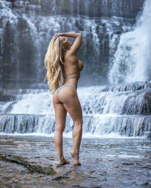 красивые голые женские попки