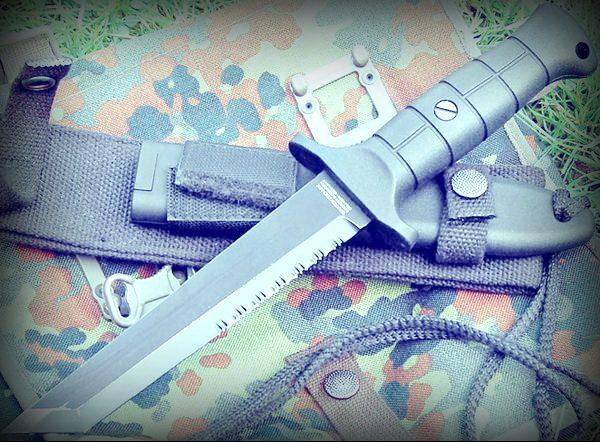 Нож KM 2000